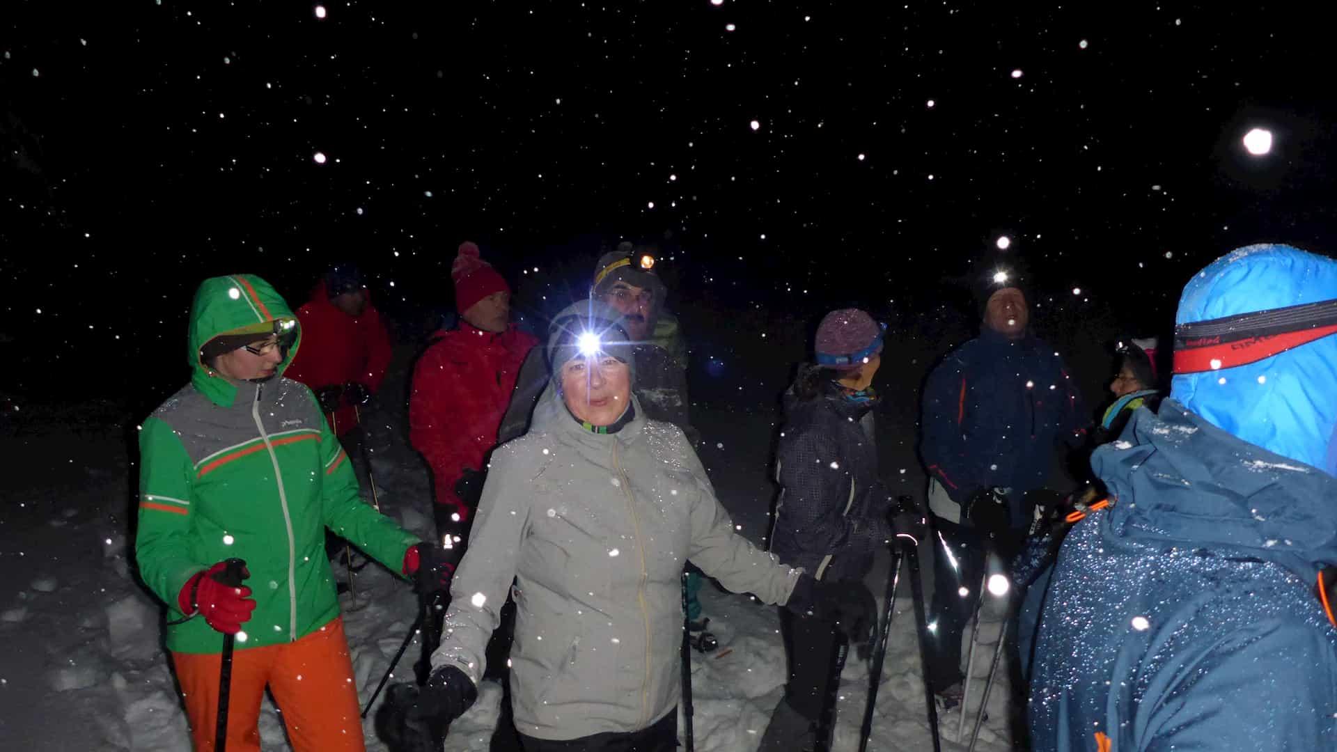 Schneeschuhwandern mit Stirnlampe