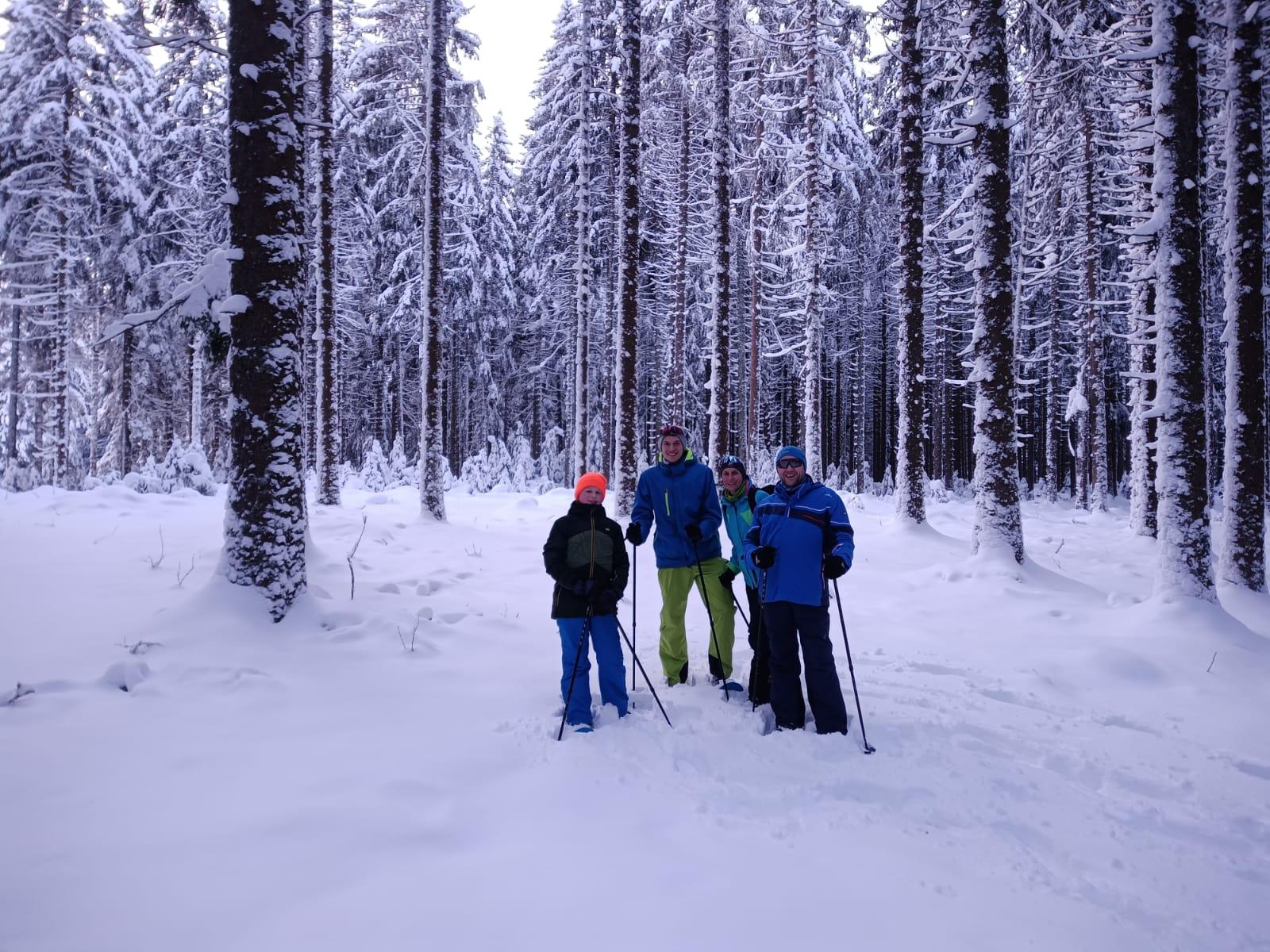 Schneeschuhwandern mit der Familie